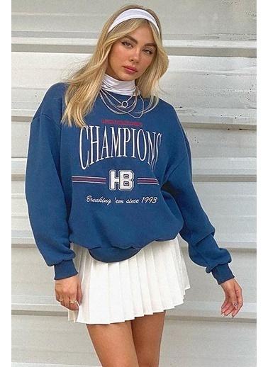 Madmext Mad Girls Champions Baskılı Kadın Sweatshirt Mavi
